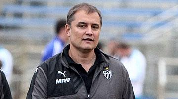 Diego Aguirre cesado de Atl. Mineiro tras ser eliminados por Sao Paulo