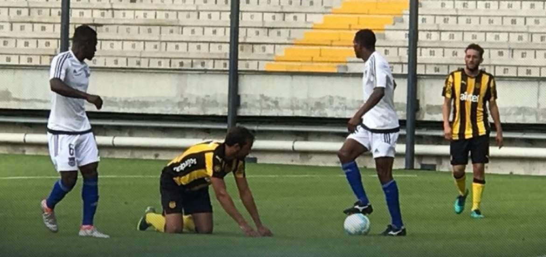 Emelec y Peñarol se enfrentaron en dos partidos amistosos