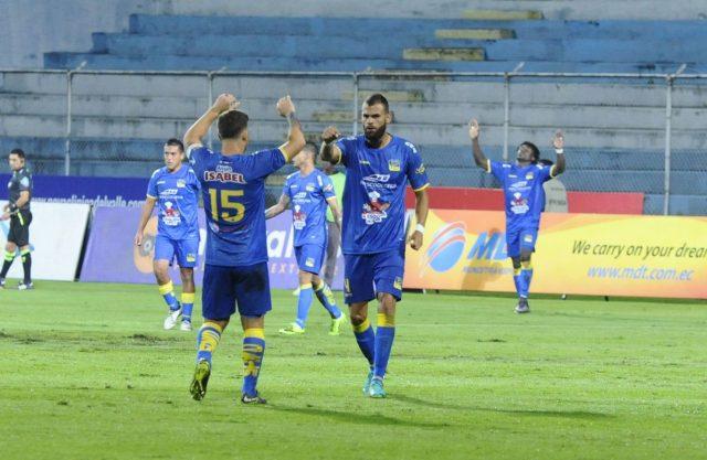 El puntero Delfín SC derrotó a Clan Juvenil en Sangolquí