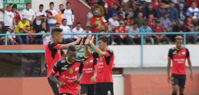 Deportivo Cuenca remontó y venció a Liga de Quito