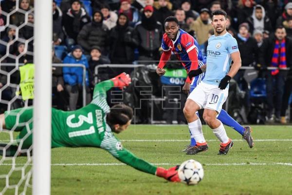 Manchester City se paseó en Suiza goleando de visitante al Basilea