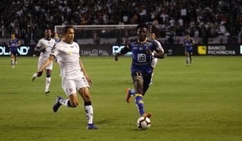 Liga de Quito y Delfín empataron 0-0 en la final de ida de la Liga Pro