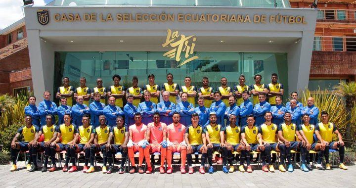 La Selección de Ecuador se tomó la foto oficial previo a su partido con Uruguay