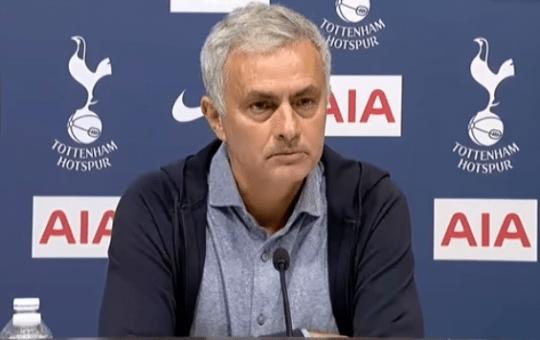 Mourinho destituido como entrenador del Tottenham
