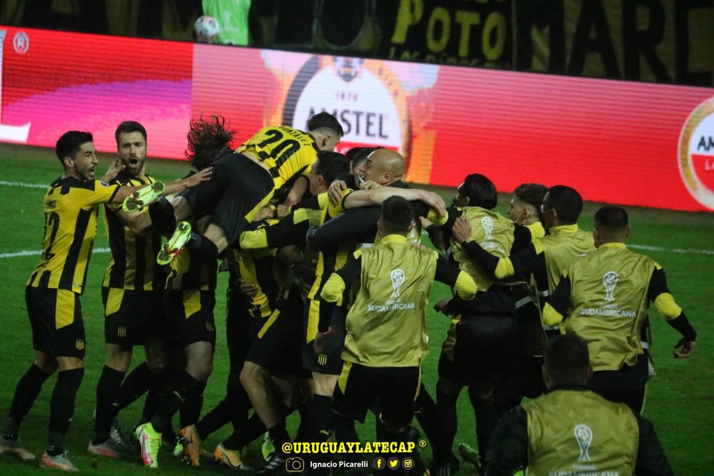 Peñarol semifinalista de Copa Sudamericana