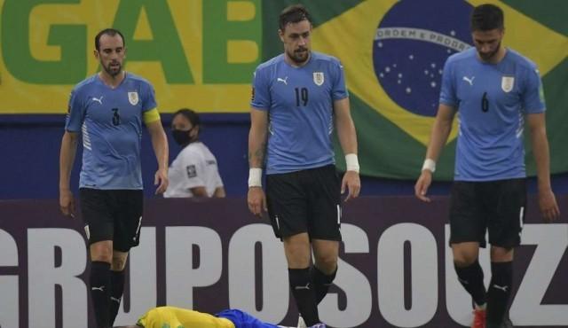 Uruguay 1 punto de 9 posibles